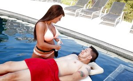Milf in Pool Porn