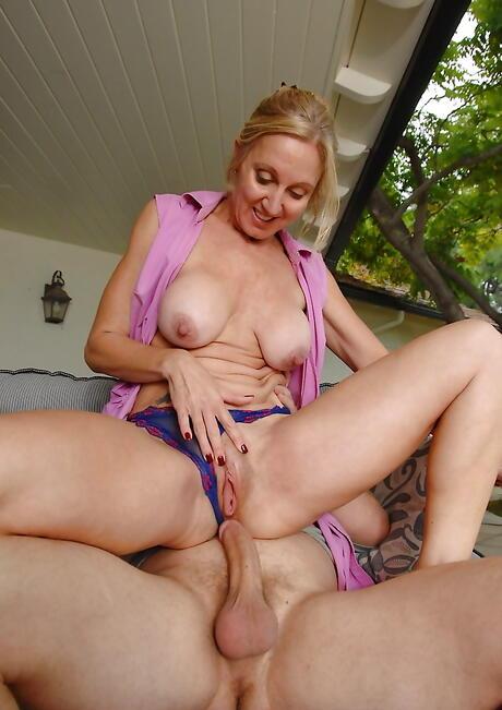Milf Stepmom Ass Porn