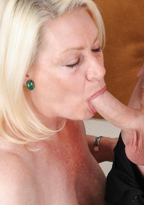 Big Ass Moms Porn