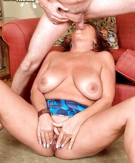 Ball Sucking Milf Porn